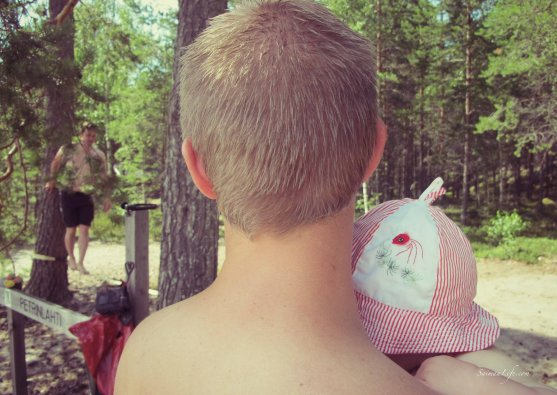 friends-in-petri-island-on-puruvesi-lake-4