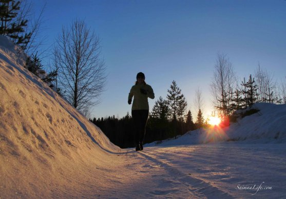 winter-evening-jogging-finland