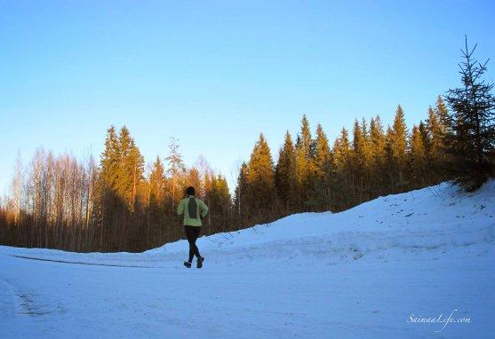 winter-jogging-in-evening