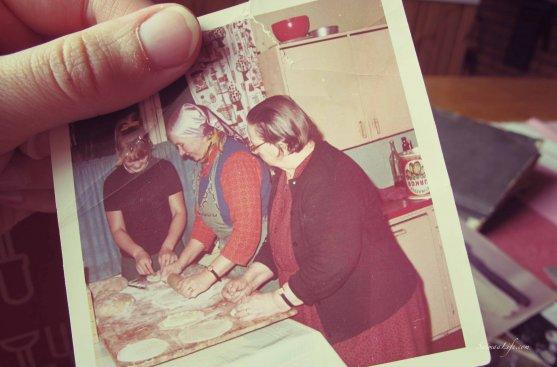 old-photo-baking-finnish-karelian-pies