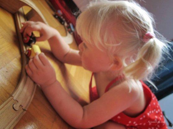 polarn-o-pyret-girl-summer-dress