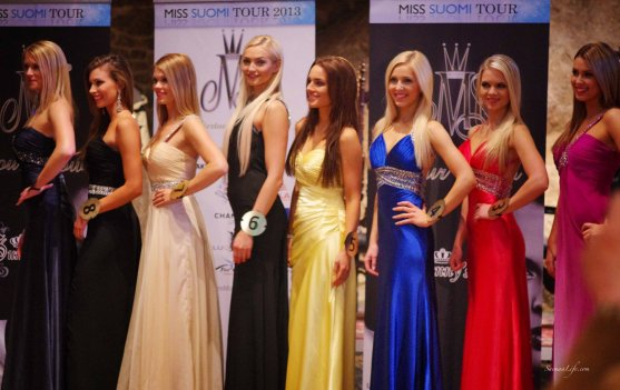 Miss Finland candidates in holiday village Jarvisydan