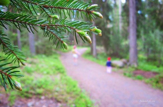 jogging-track-forest-girl