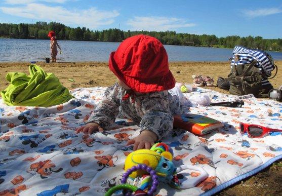 children-on-beach