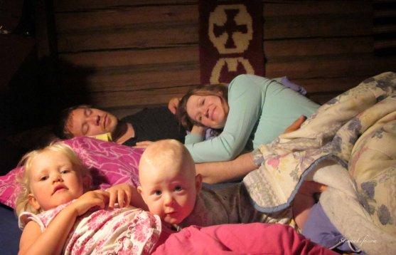 family-going-sleeping-10