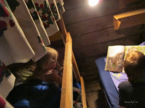 family-going-sleeping-5