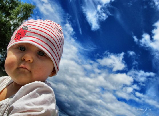 mother-and-children-watching-clouds-5