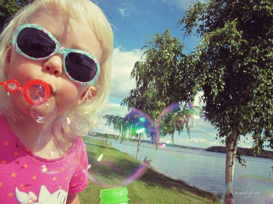 blowing-soap-bubbles-9