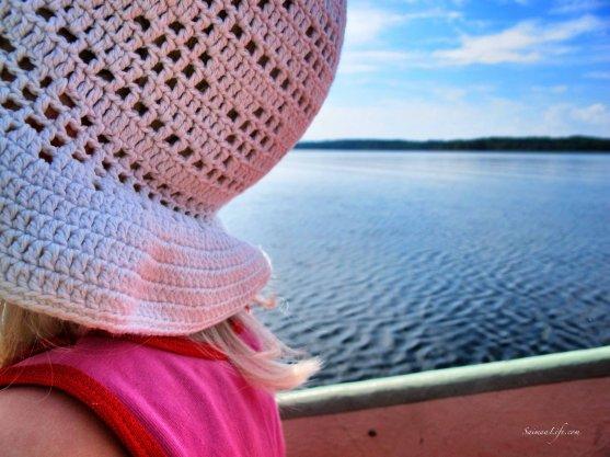 girl-on-rowing-boat-1