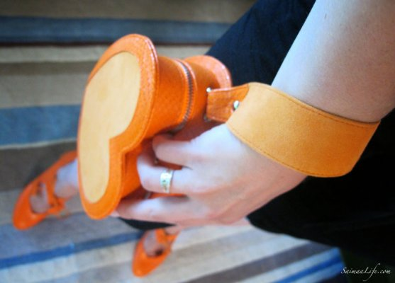 minna-parikka-orange-handbag-5