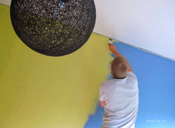 family-painting-children-room-with-yellow-5