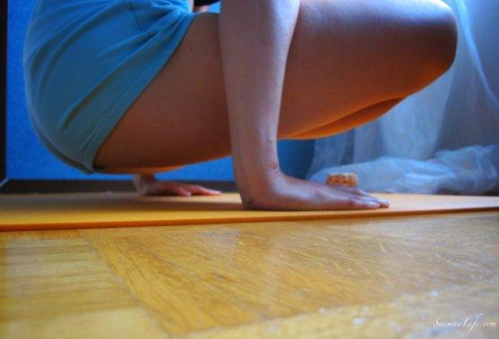 mother-doing-ashtanga-yoga-practice-3