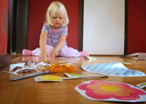 wall-sticker-and-children-room-interior-3