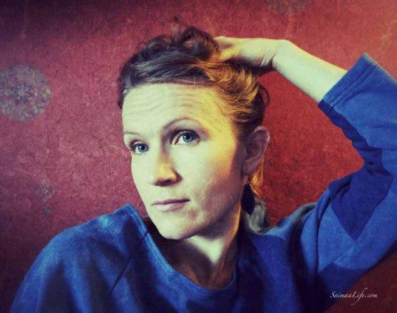 woman-looking-smug