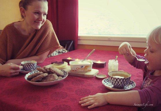 mother-child-rye-bread-fresh