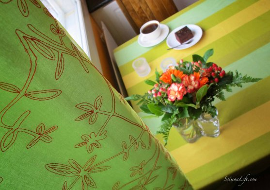 coffee-flowers-curtains