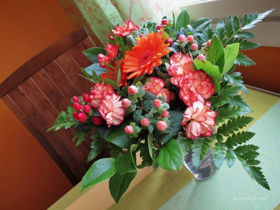 flowers-kitchen-table
