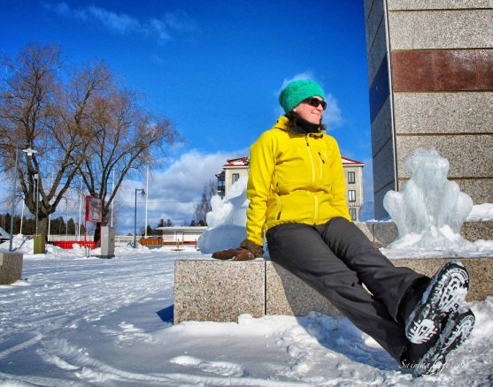 ice-sculptures-woman-sunbathing