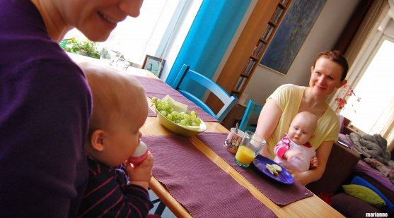 babies-and-mothers-breakfast