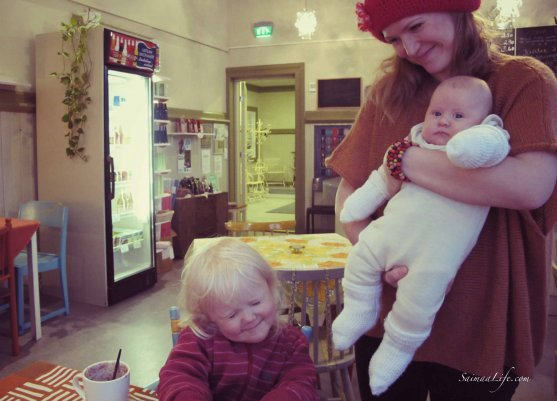 mother-children-cafe