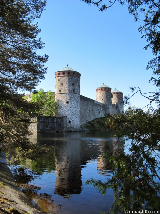 olavinlinna-castle-and-saimaa-lake-nature