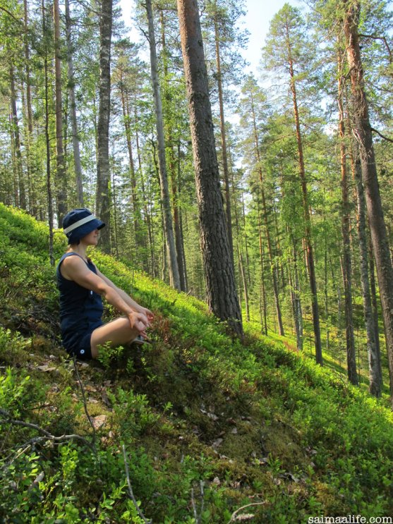 yoga-outdoors-in-finland