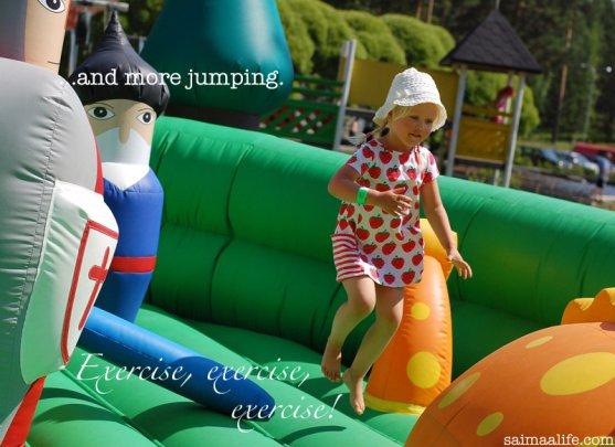 gilr-jumping-in-kesamaa