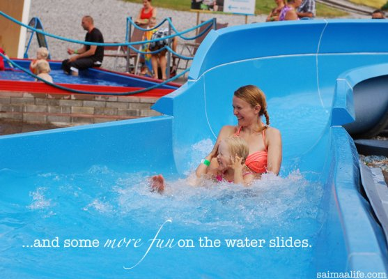 mom-and-daughter-in-water-slide