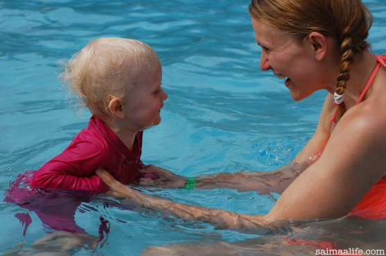 mother-and-baby-swimming-in-kesamaa