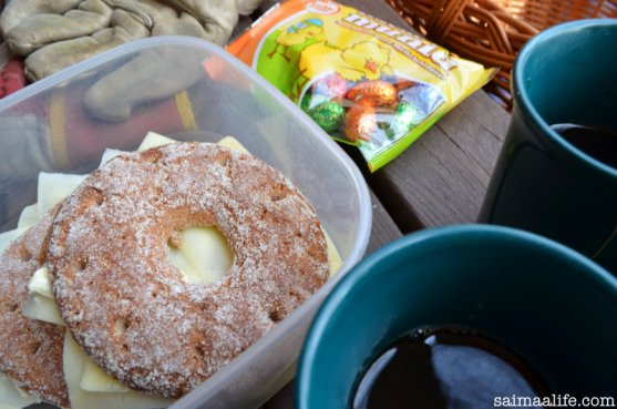 finnish-rye-bread-and-coffee-break