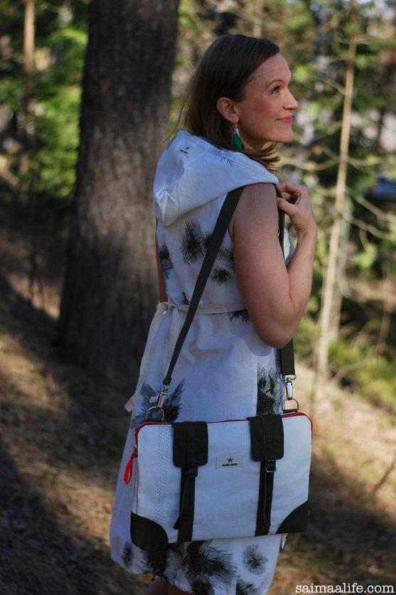 globe-hope-women-dress-laptop-bag-earrings