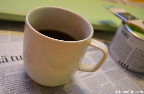 morning-coffee-from-finnish-iittala-sarjaton-letti-mug