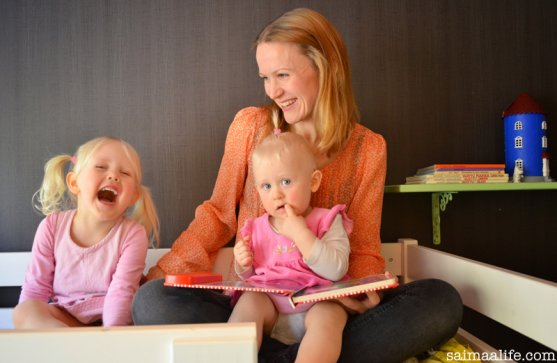 mother-and-daughters-laughing