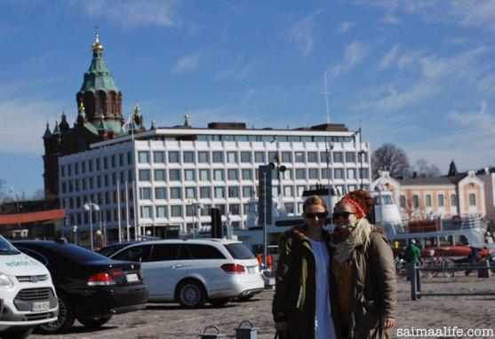sisters-in-helsinki-market-place