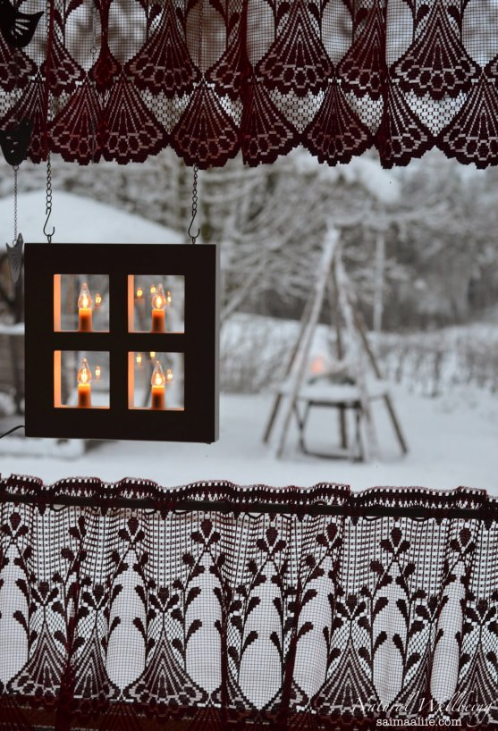 christmas-lights-and-snowy-scenery