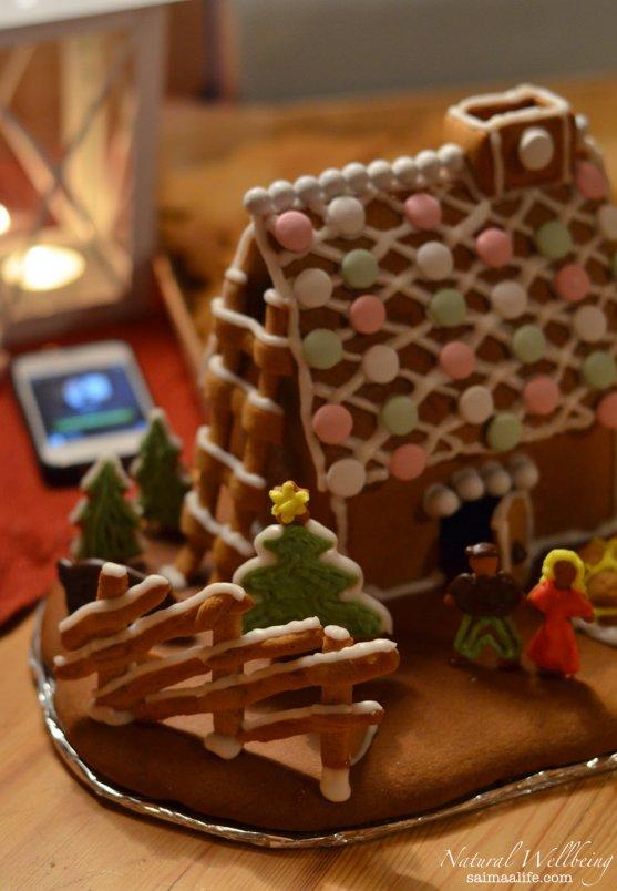 finnish-christmas-gingerbread-house