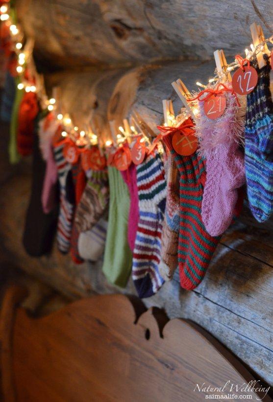 homemade-wollen-sock-christmas-calendar