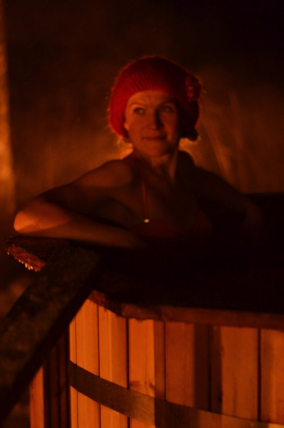 mother-in-hot-water-tub-at-christmas