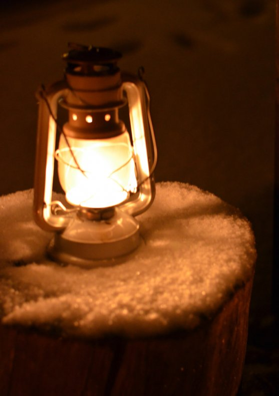 snow-and-candle-light