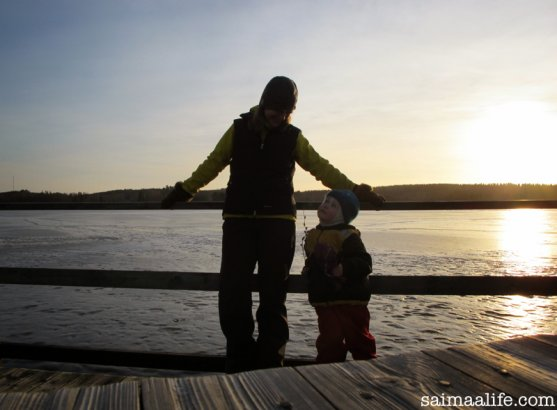 mom-and-daughter-spending-relaxing-sunday-in-finland-11