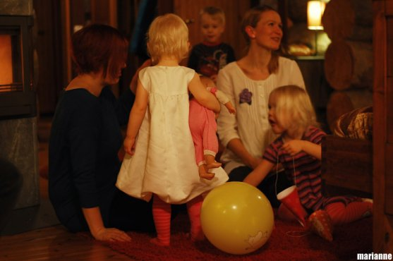 children-birthday-at-finnish-log-cottage