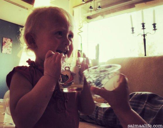 children-drinking-orange-juice-after-sauna