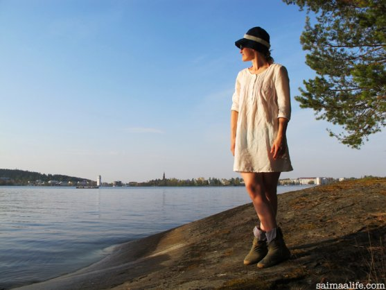 globe-hope-summer-outfit-tunic-shoes-and-hat