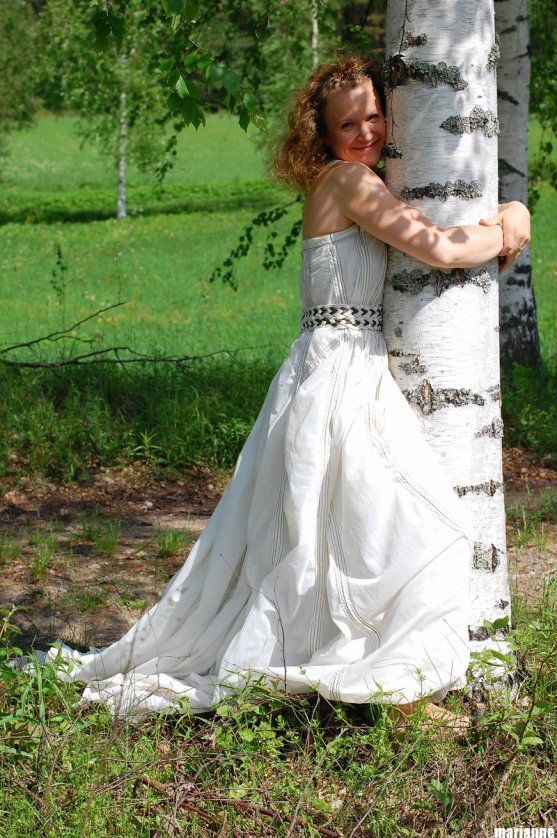 globe-hope-dress-made-from-recycled-parachute-fabric