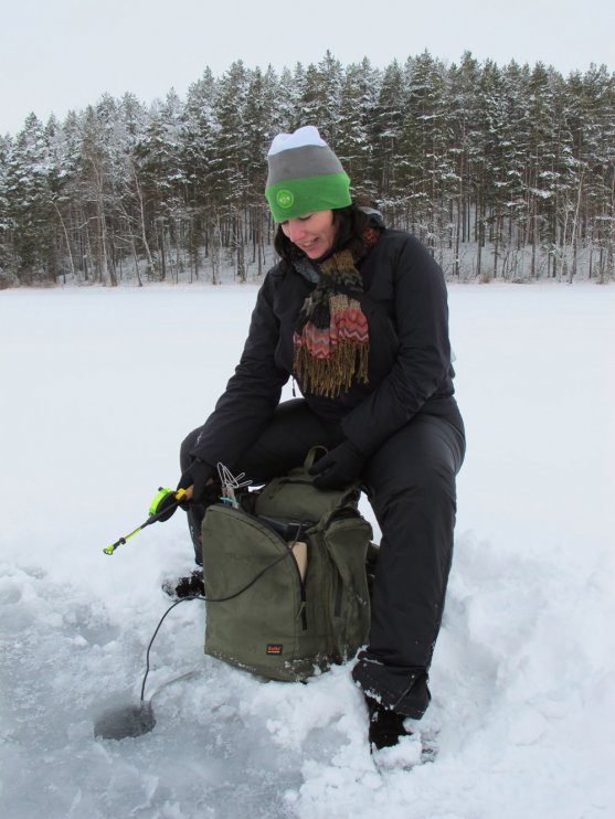 dalene-heck-fishing-on-lake-puruvesi