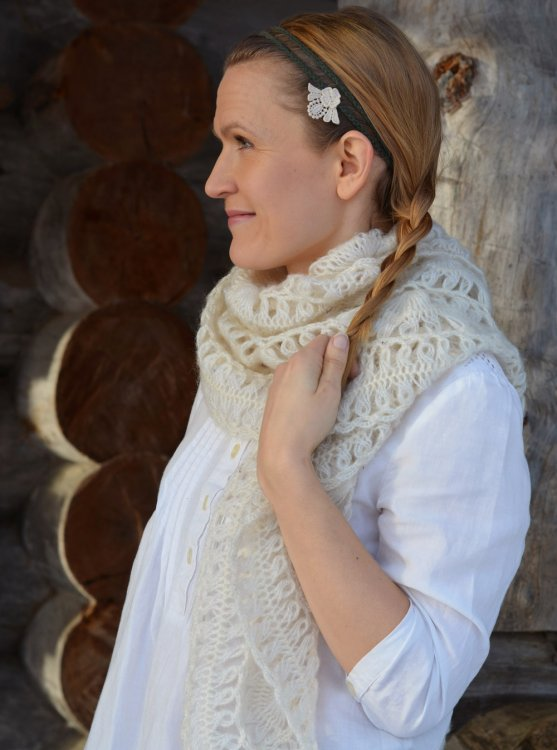 organic-chain-and-lace-headband-sustainably-chic