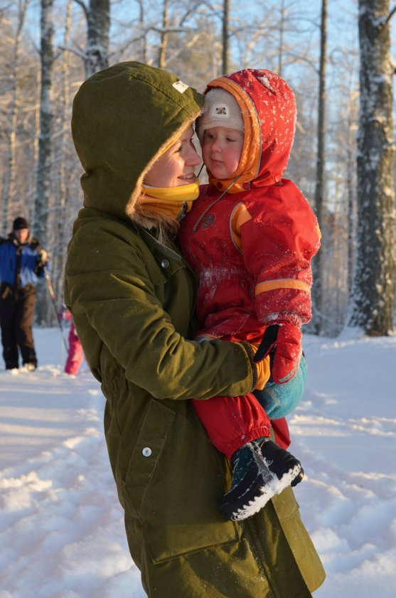 mother-and-child-outdoors-in-winter