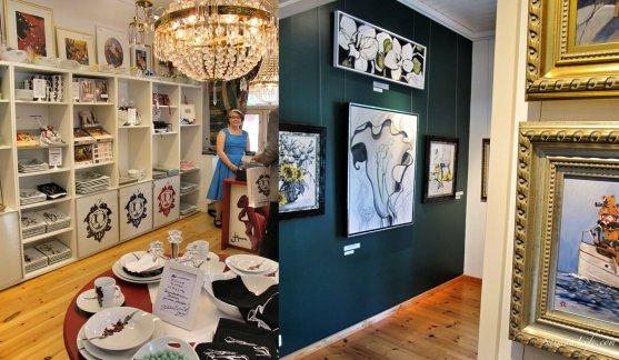 Gallery shop
