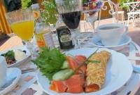 13-summer-cafe-Inkerintalo-at-Kruunupuisto
