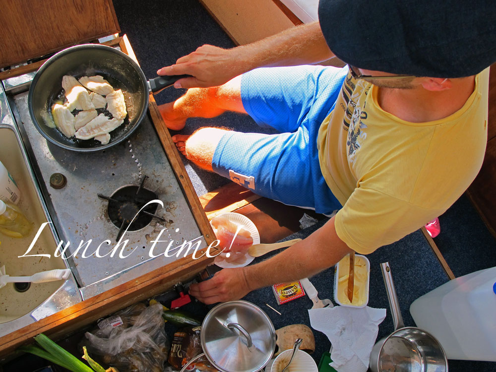 a-simple-holiday-cooking-in-the-boat